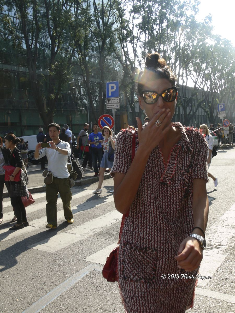Milan Fashion Week ss 2014 woman, outside Armani, Giovanna Battaglia
