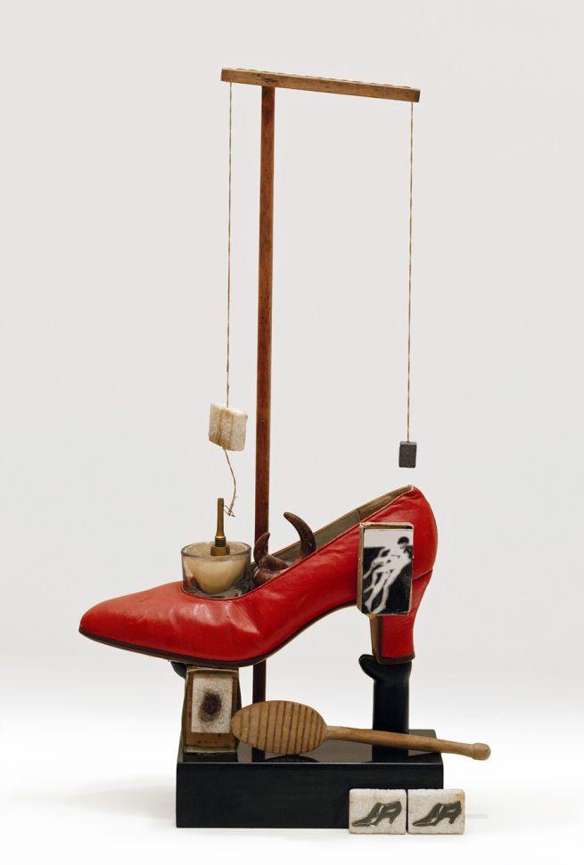 Salvador Dalí. 'Objet Surréaliste à fonctionnement symbolique - le soulier de Gala' (Surrealist object that functions symbolically - Gala's Shoe) 1932/1975