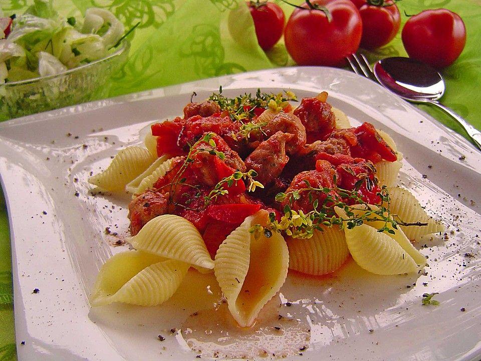 Pasta mit Thymian-Tomatensauce und Salsiccia-Bällchen, ein schmackhaftes Rezept aus der Kategorie Saucen. Bewertungen: 12. Durchschnitt: Ø 4,0.