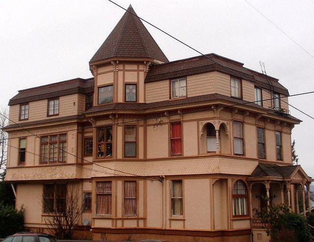 Apartment Building In Astoria Oregon Victorians West Coast