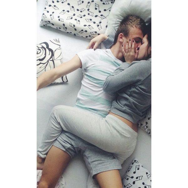 girlfriend and boyfriend relationship goals cuddling