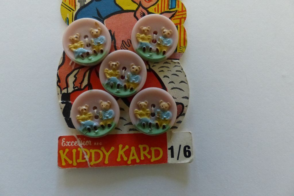 Vintage plastic children's buttons on card - Nursery Rhymes