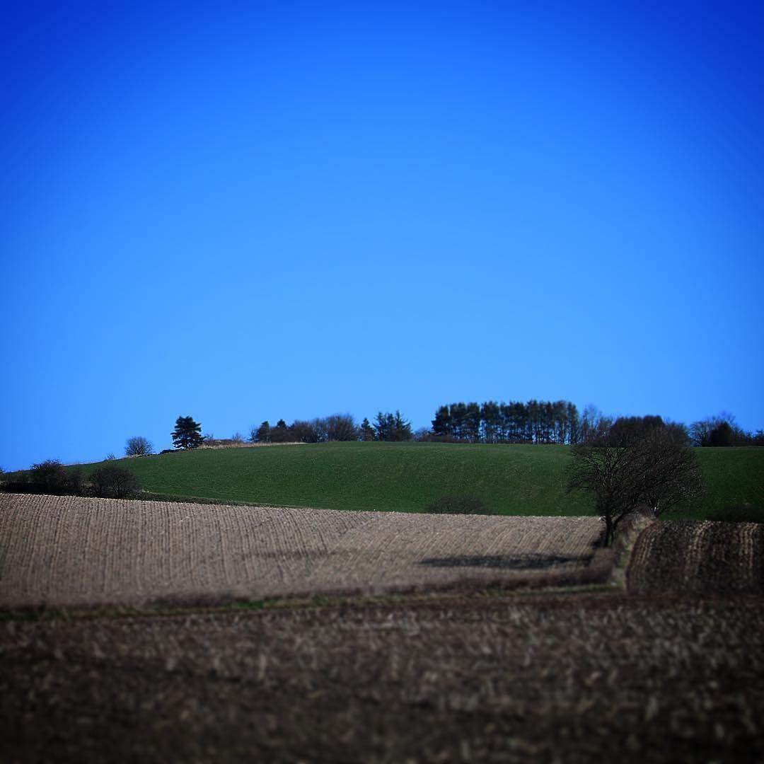 Vestfynsk landskab #assens #visitfyn #visitdenmark #fyn #nature #nature_perfection #naturelovers #mothernature #natur #loves_skyandsunset #loveit #denmark #danmark #dänemark #landscape #assensnatur #mitassens #vildmedfyn #fynerfin #vielskernaturen #visitassens #instapic #picoftheday #spring