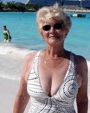 Granny Poppen