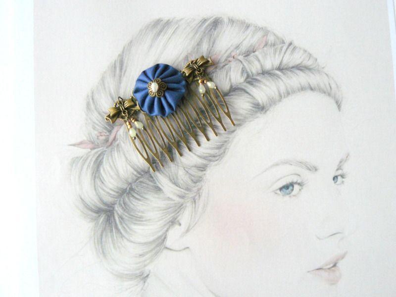 Peigne Métal Bronze, Fleur Tissu Bleu, Petits noeuds, Perles de Verre : Accessoires coiffure par maj