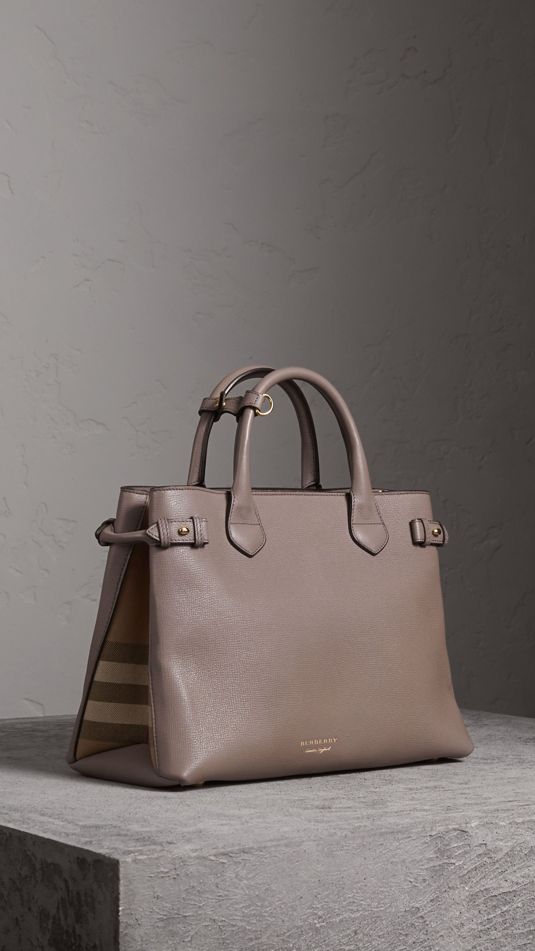 b0f1d0f8d The Medium Banner in Leather and House Check Thistle Grey | Burberry