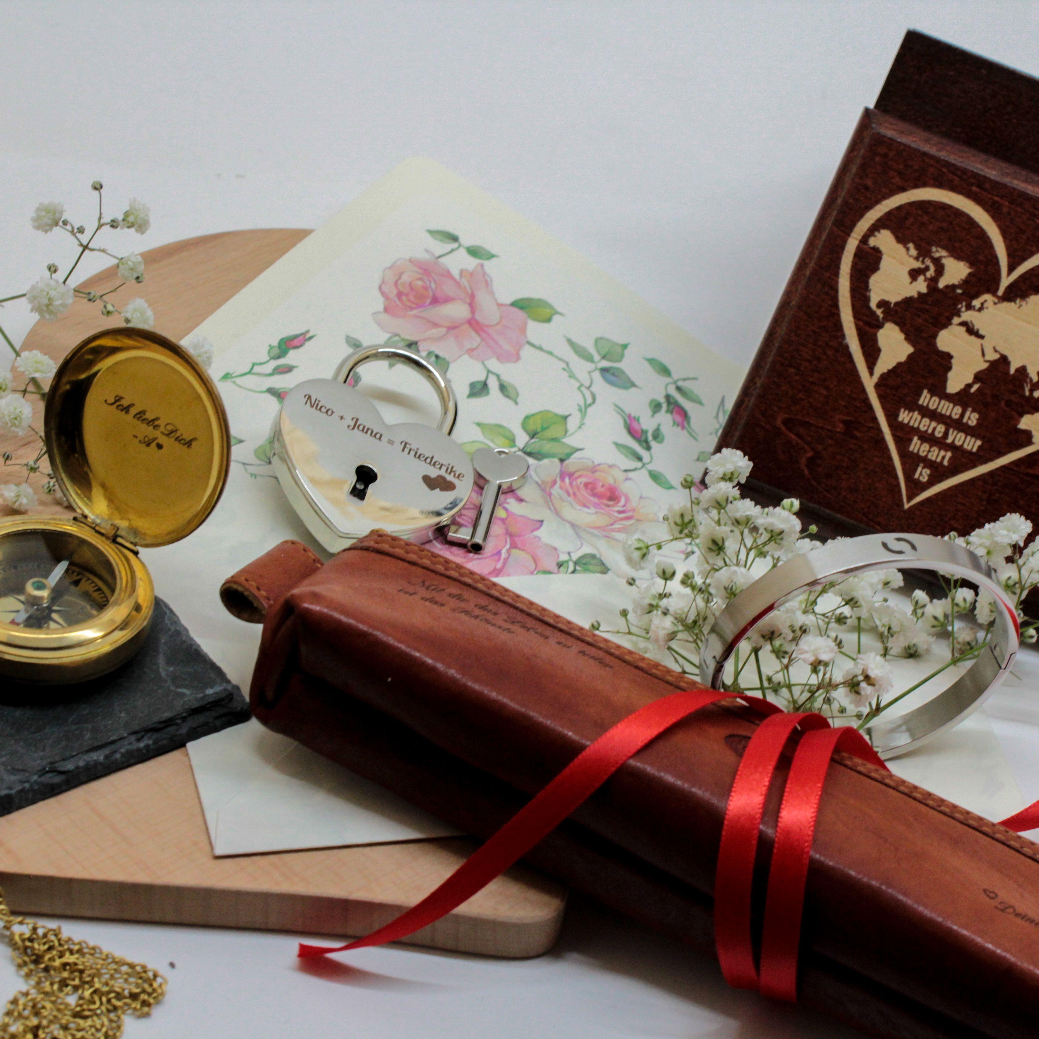 Einzigartige Geschenkideen zum Valentinstag Verliebte auf der Suche nach einer ganz persönlichen Geschenkidee für den