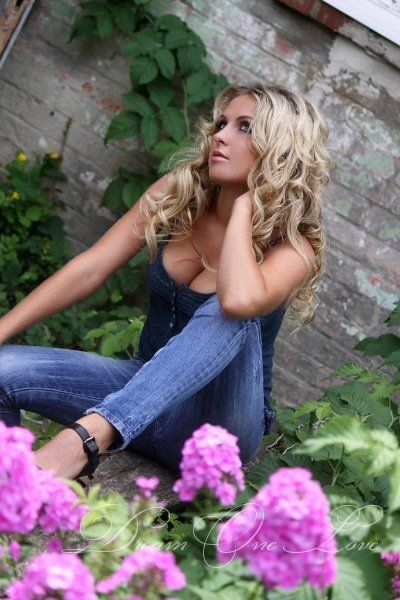 Date thousand of European singles online. Dream One Love is the best free  dating service provider where you can meet European single women for dating.