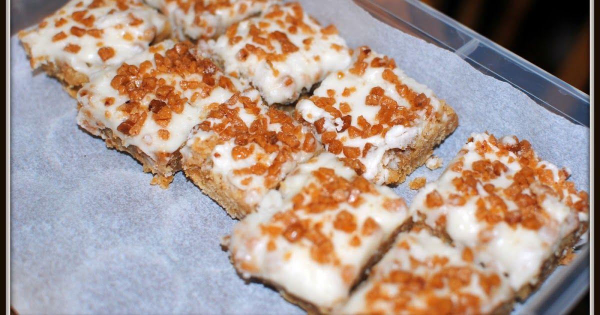 Skor Bar Squares Ingredients 1 Pkg Of Skor Chipits 1 Can Of Sweetened Condensed Milk 1 2 Tsp Vanilla 1 4 Cup But Square Recipes Ritz Cracker Recipes Skor Bars