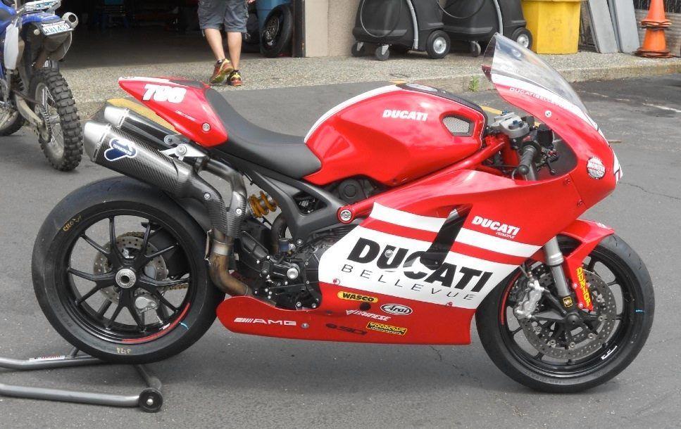 "Ducati Monster ""Supertwin"" sportbike"