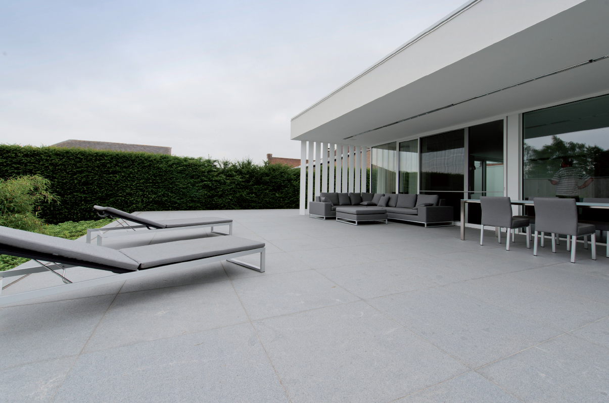 Pierre Naturelle Daytona Tres Faible Variations De Nuances Ingelive Passage Intensif Exterieur Interieur Carrelage Gris Clair Pierre Travertin Granit Gris