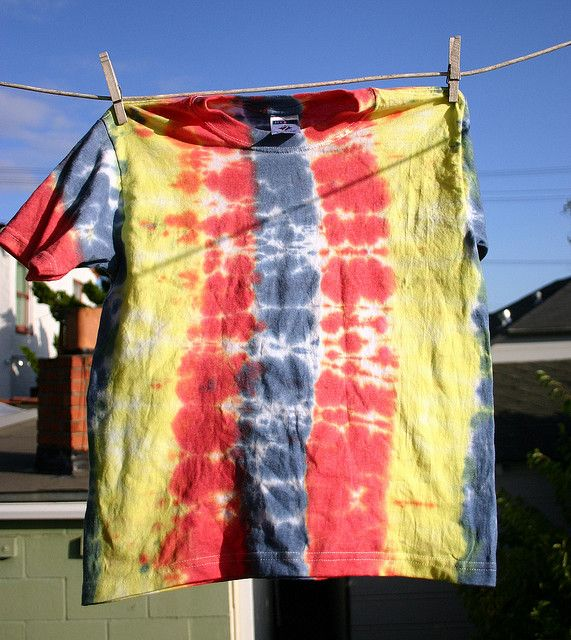 How to Tie Dye in stripes by Wendy Copley, via Flickr