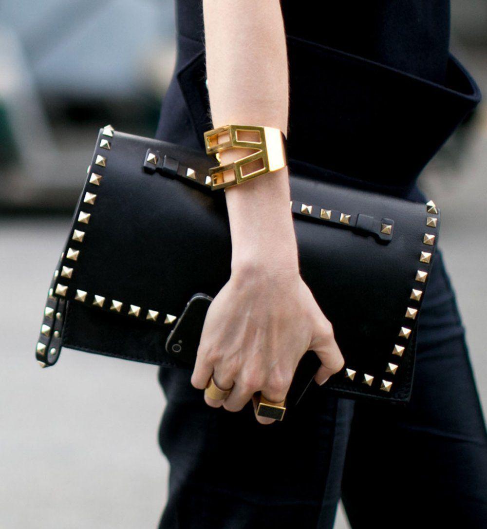 La pochette cloutées, look de la Fashion Week printemps été 2014 de New York - Cosmopolitan.fr