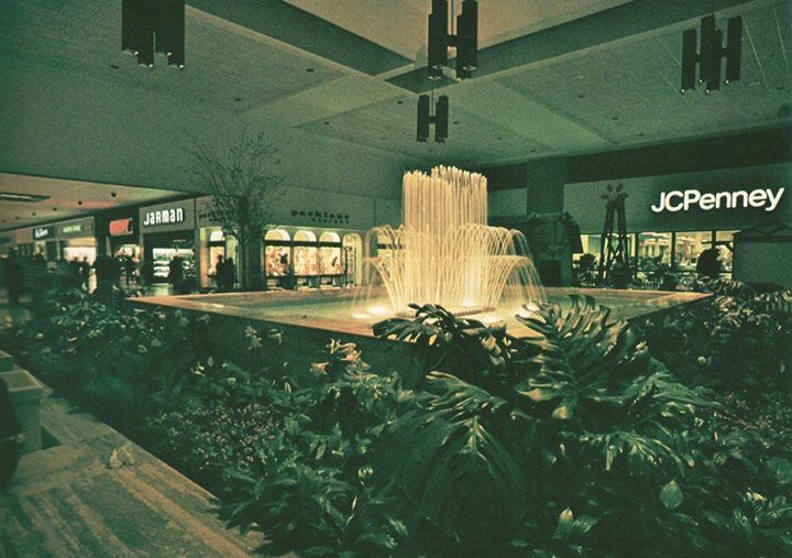 The JCPenney court at Northgate Mall, Chattanooga, TN, shortly after