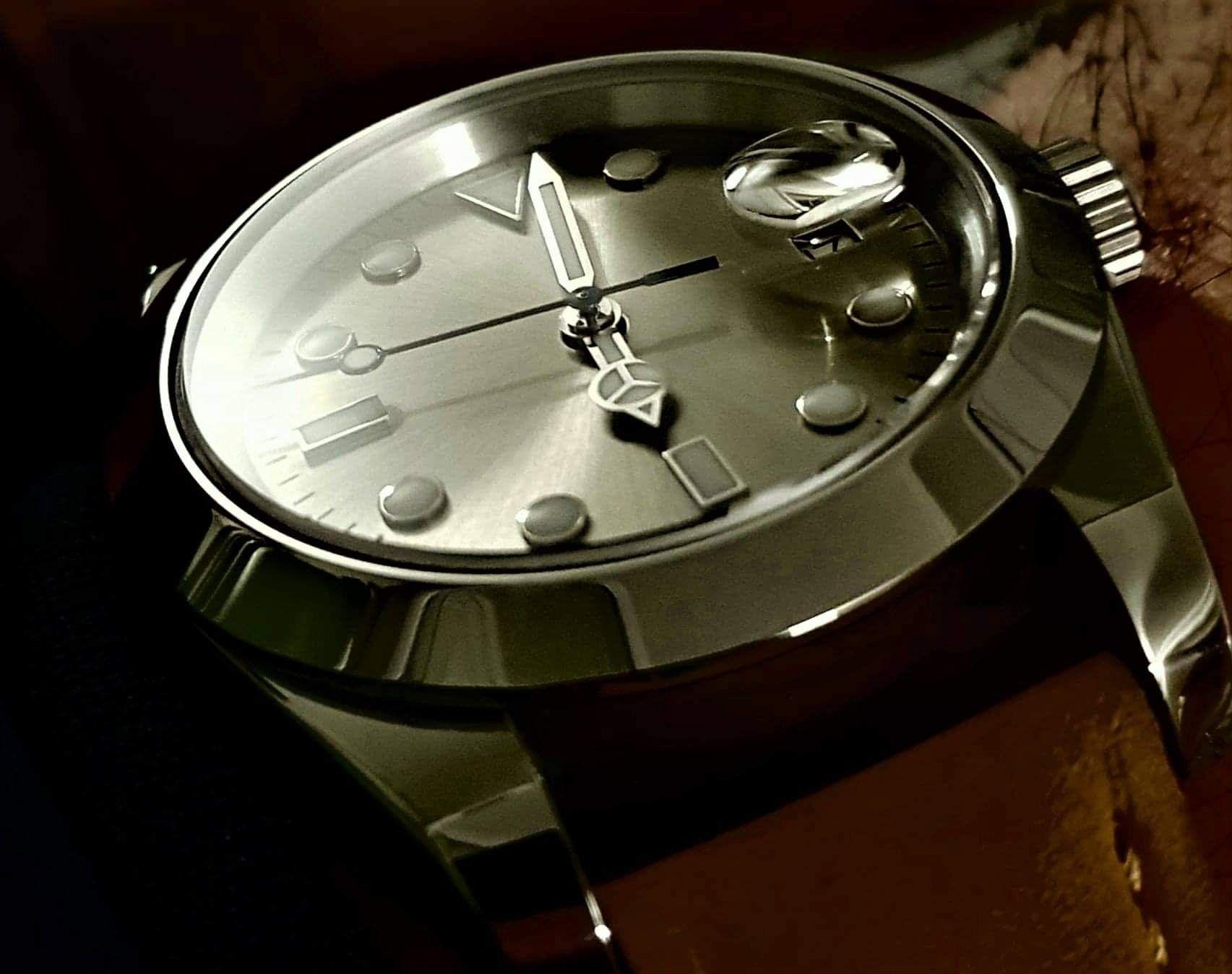 Date Master The Sporty Gentleman S Watch