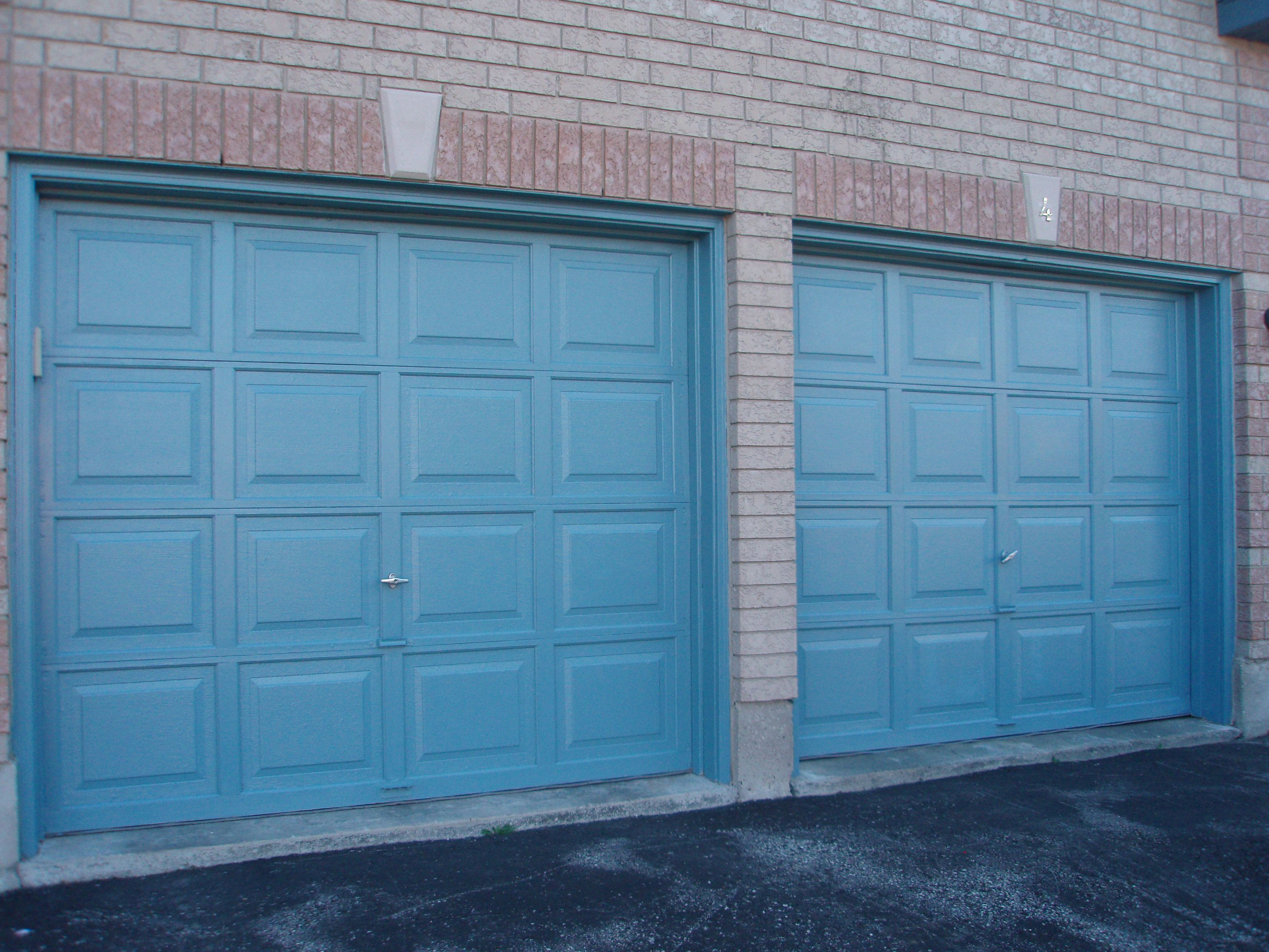 Garage Door Sales Service Repair And Installation Of Residential Commercial Overhead Garage Doors And Electric Openers In Barrie Garagedeur