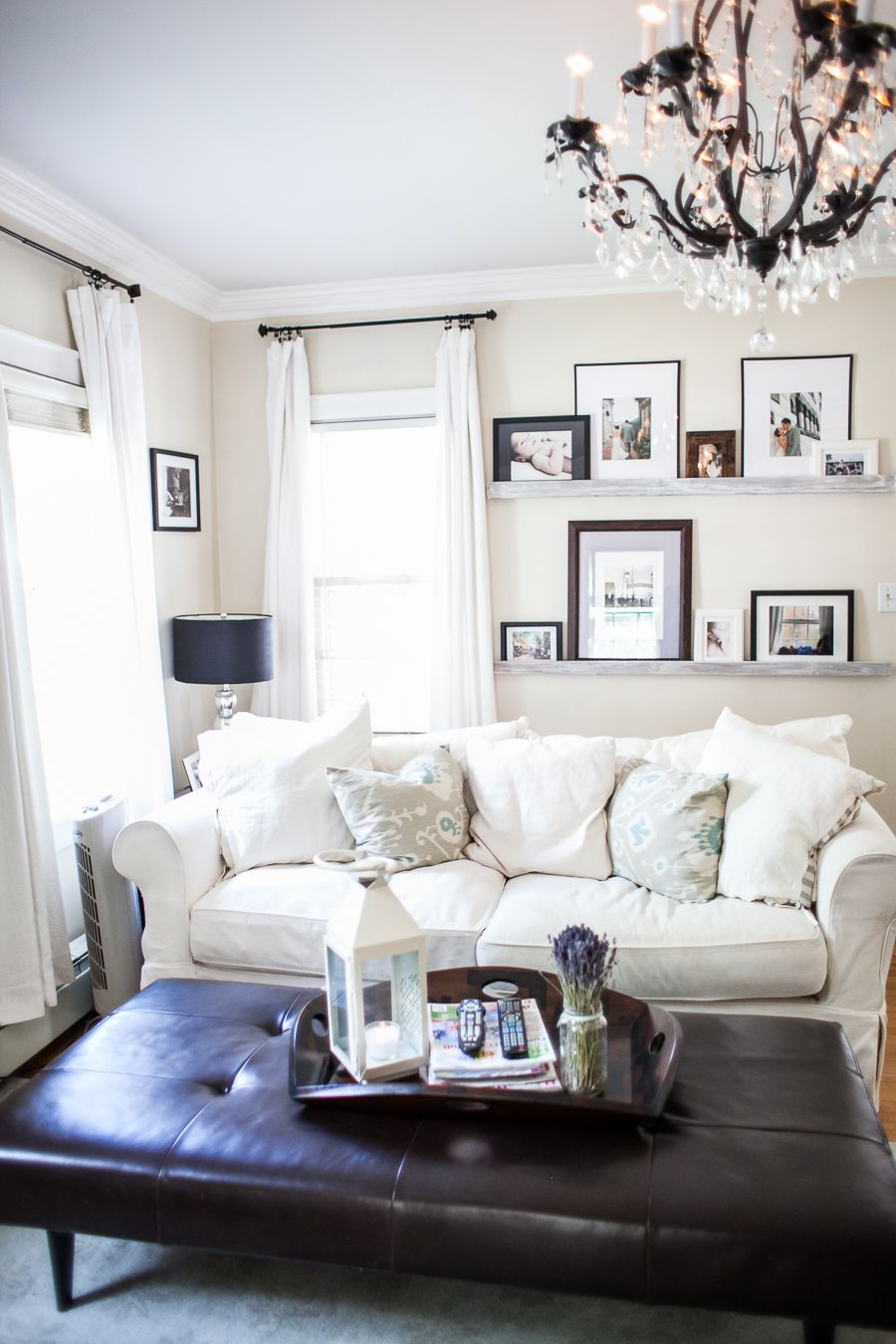 Tranquil Living Room Love The Photo Frames Displayed On The Ledges C Great Heights Photography My New Room Decoracao Casas