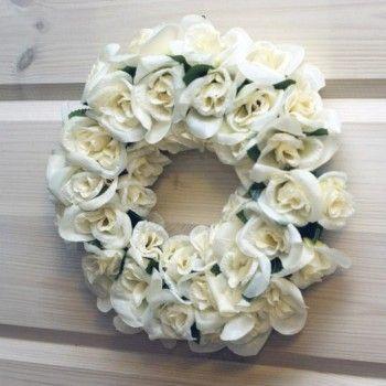 Kranssi - Silkkikukat ruusu. Hinta 13,80€