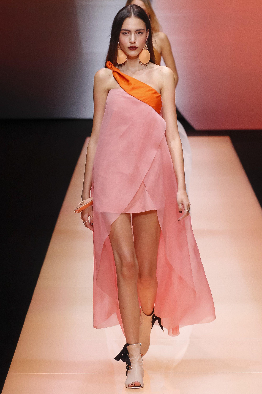 Emporio Armani Spring 2016 Ready-to-Wear Fashion Show