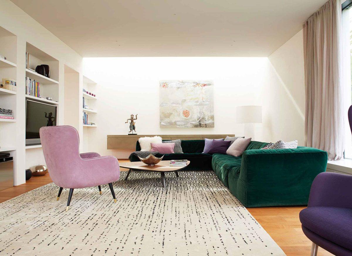 Kampe 54 | Stuttgart | Wohnzimmer Design | Grünes Sofa | Lila Sofa ... Wohnzimmer Design Lila