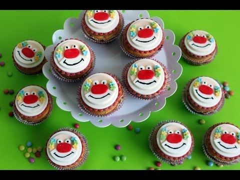 clown cupcakes fun food in 2019 clown cupcakes torten und haselnuss creme. Black Bedroom Furniture Sets. Home Design Ideas