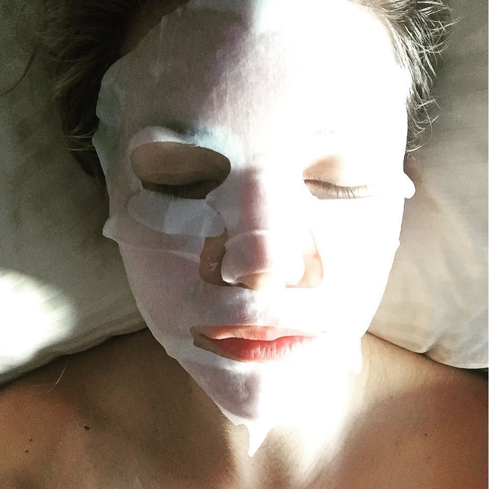 Zen! Nap time! Collagen time! #facemask #collagen #beauty #aloe #hydrate #repair #skin #flawless #relax #breathe #mask #wilshirebeauty #LA by suzettebabb