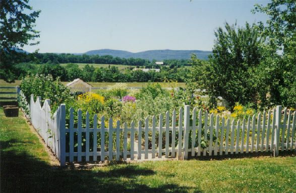 garden fence designs - Emaxhomesnet Emaxhomesnet Home Design