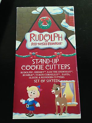 Cookie-Cutters-Christmas-Rudolph-Cookies-with-Cookie-Cutters-for-Stands