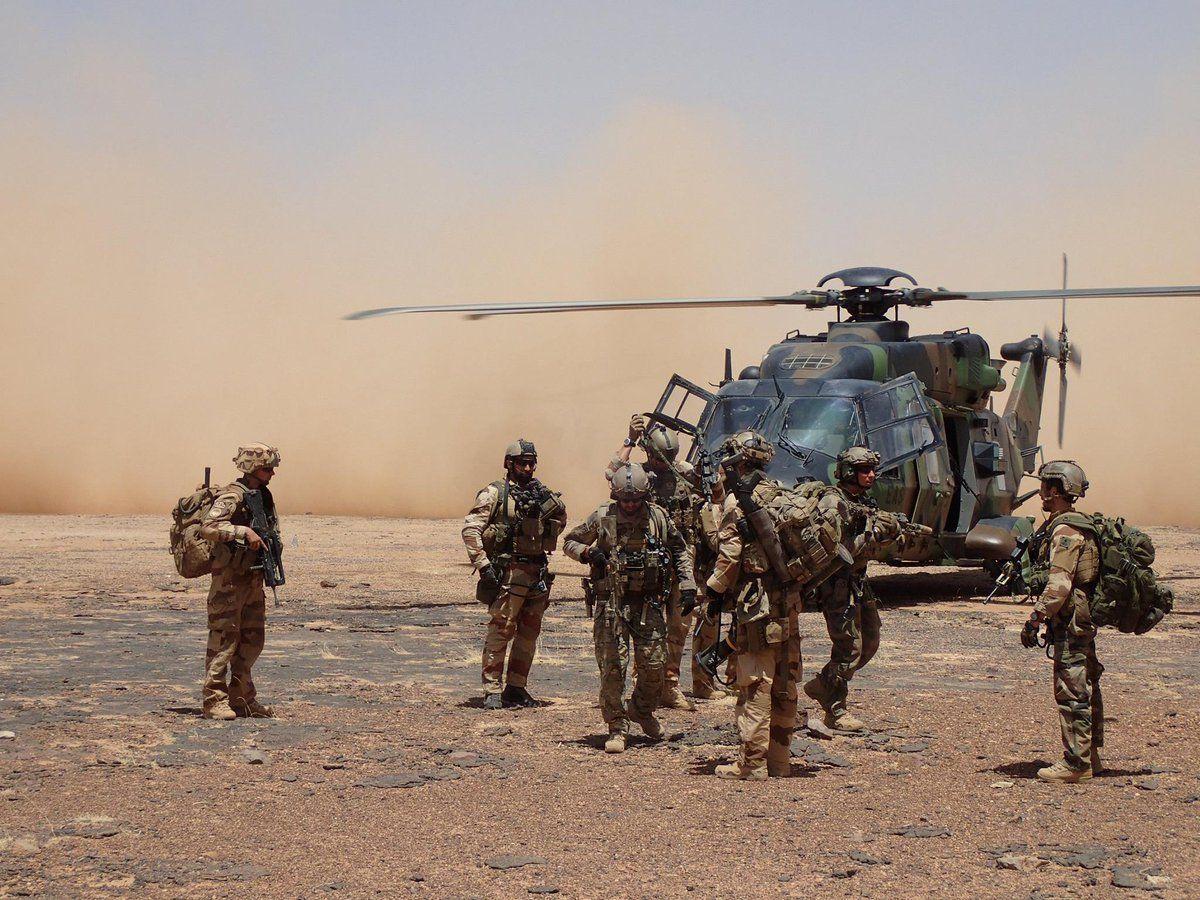 French ALAT NH-90 and Groupe de Commando de Montagne Spartan