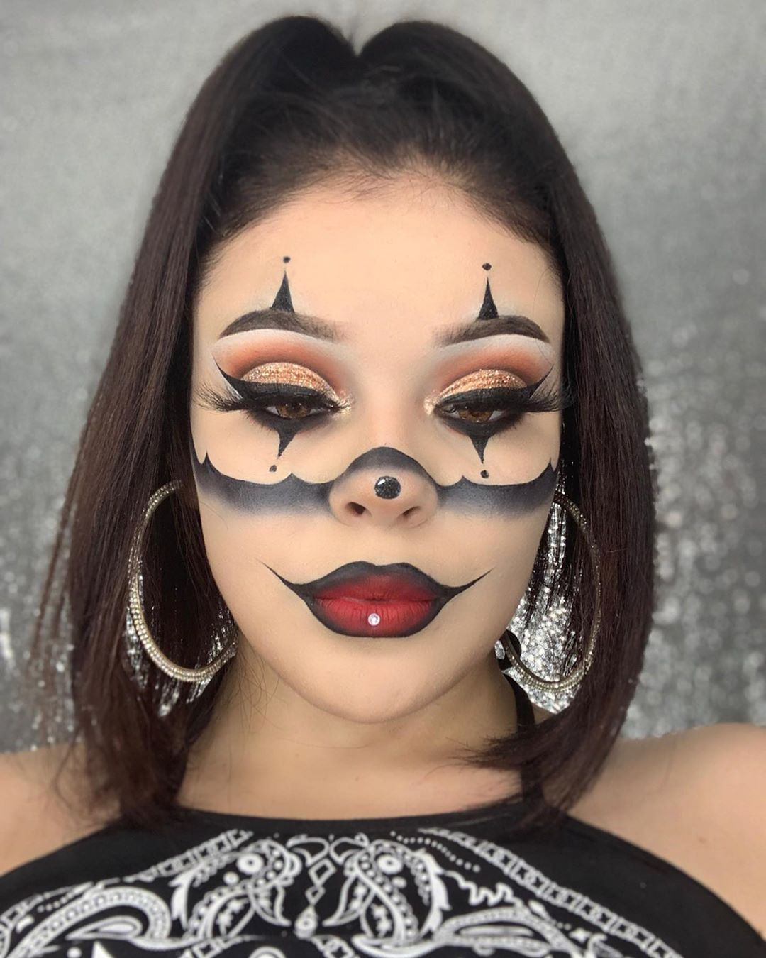 """𝐂𝐞𝐥𝐞𝐬𝐭𝐞 𝐃𝐞𝐥 𝐑𝐢𝐨 🦋🙏🏻 on Instagram """"Look2 🖤💋 Did a poll to"""