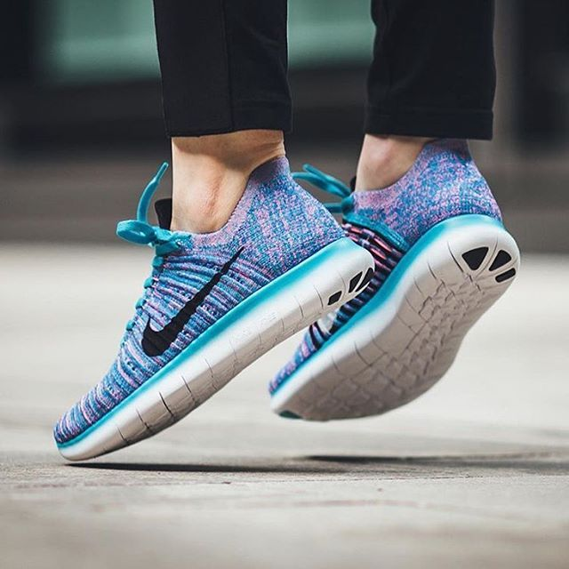 b35163a42555  hypefeet   Nike WMNS Free Run Flyknit in Gamma Blue Black. Photo    titoloshop