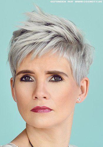 Frisuren Bilder: Strukturiert gestylter Pixie in angesagtem Grau – Frisuren, Haare