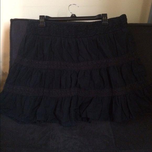 Great Black Cotton Skirt w/crochet Detail.  EUC 100% Cotton Black Skirt.  Size XL. Skirts