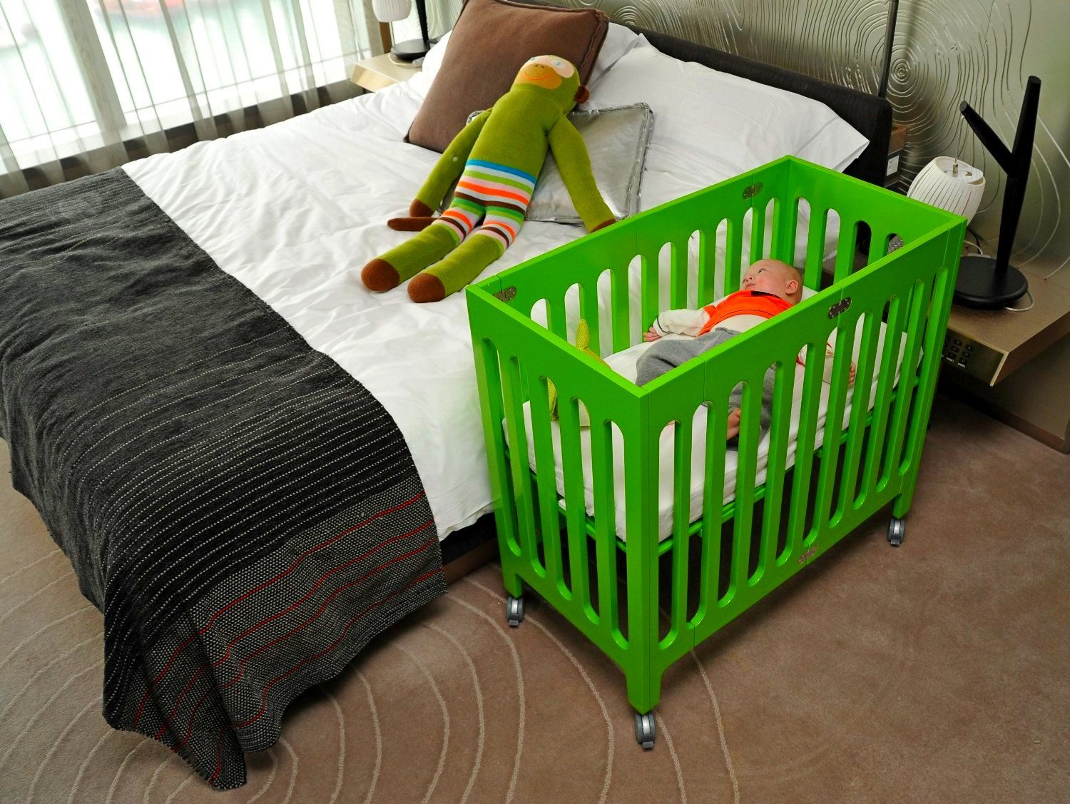 Quite Good Small Cribs For Small Spaces