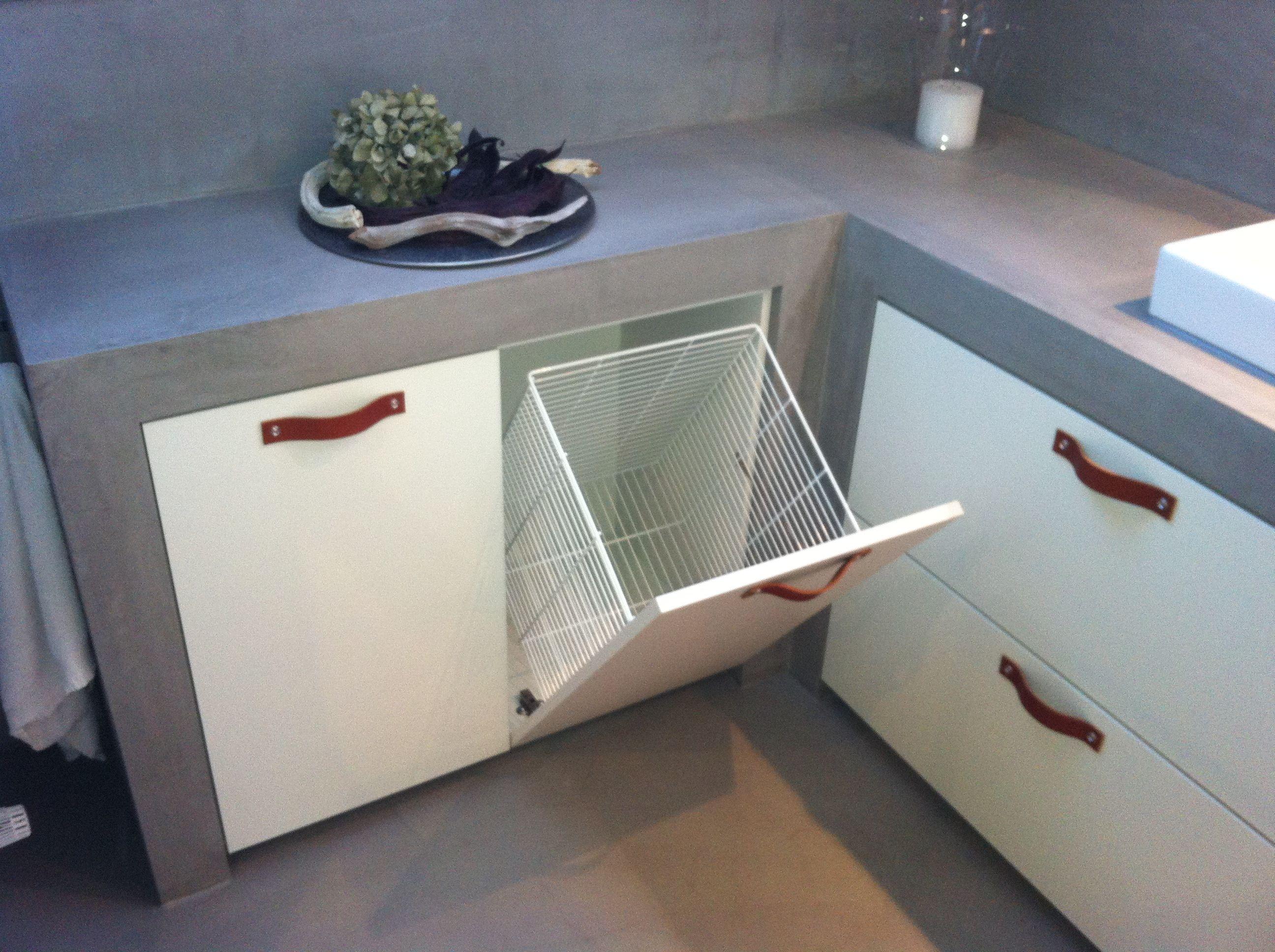 mooie oplossing voor het netjes wegwerken van de wasmand douche