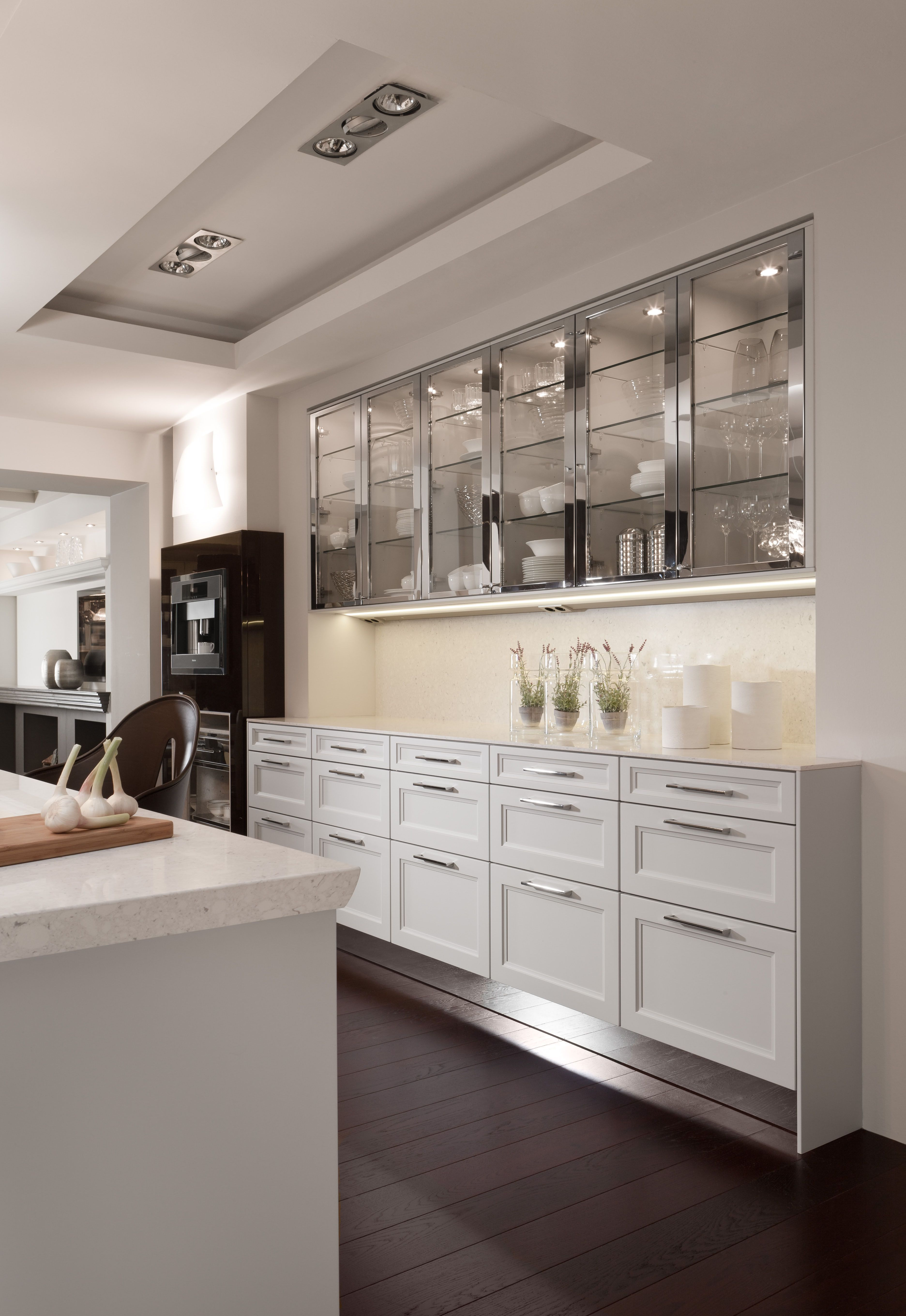 Exceptionnel De Giulio Kitchen Design: Chic, Sleek Kitchen Design With Glass Front  Stainless Steel Cabinet Doors And White