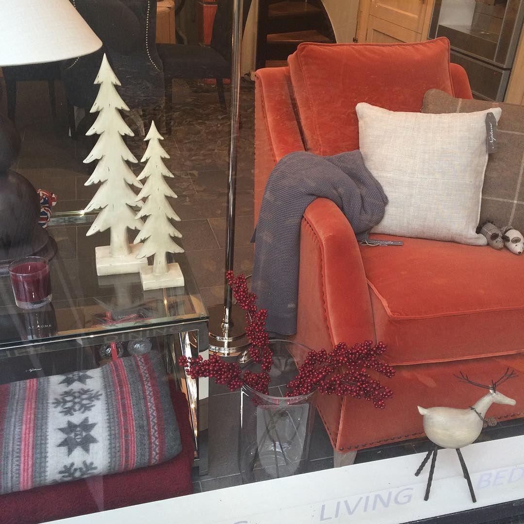 Julepynten begynner å komme på plass i butikken vår i Bygdøy Allé. Vi vet fra i fjor hvor fort enkelte produkter blir utsolgt, så ikke vent for lenge med å planlegge julehjemmet ditt! #neptunehome #neptunehomeoslo #bygdøyallé #jul #christmas #julepynt #christmasdecorations #juletrær #reinsdyr #pledd #vielskerjulepynt
