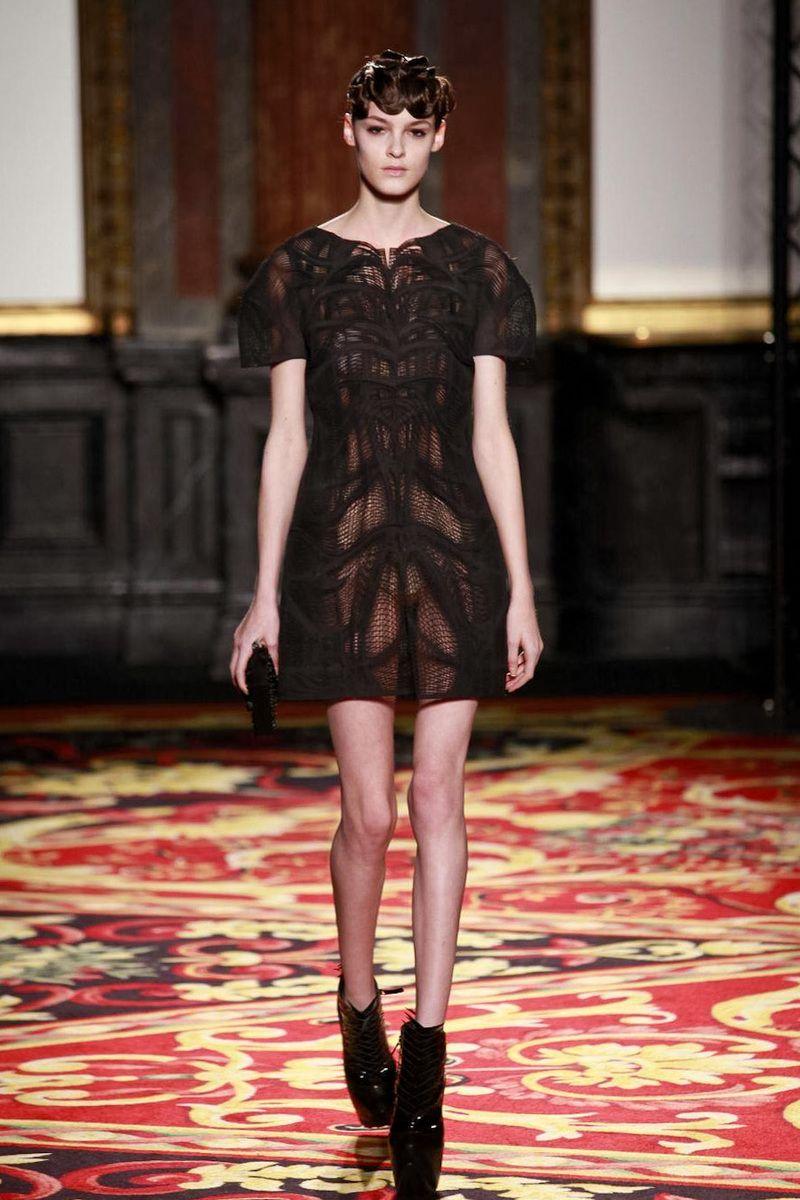 Iris Van Herpen Couture Spring Summer 2013 Paris - NOWFASHION