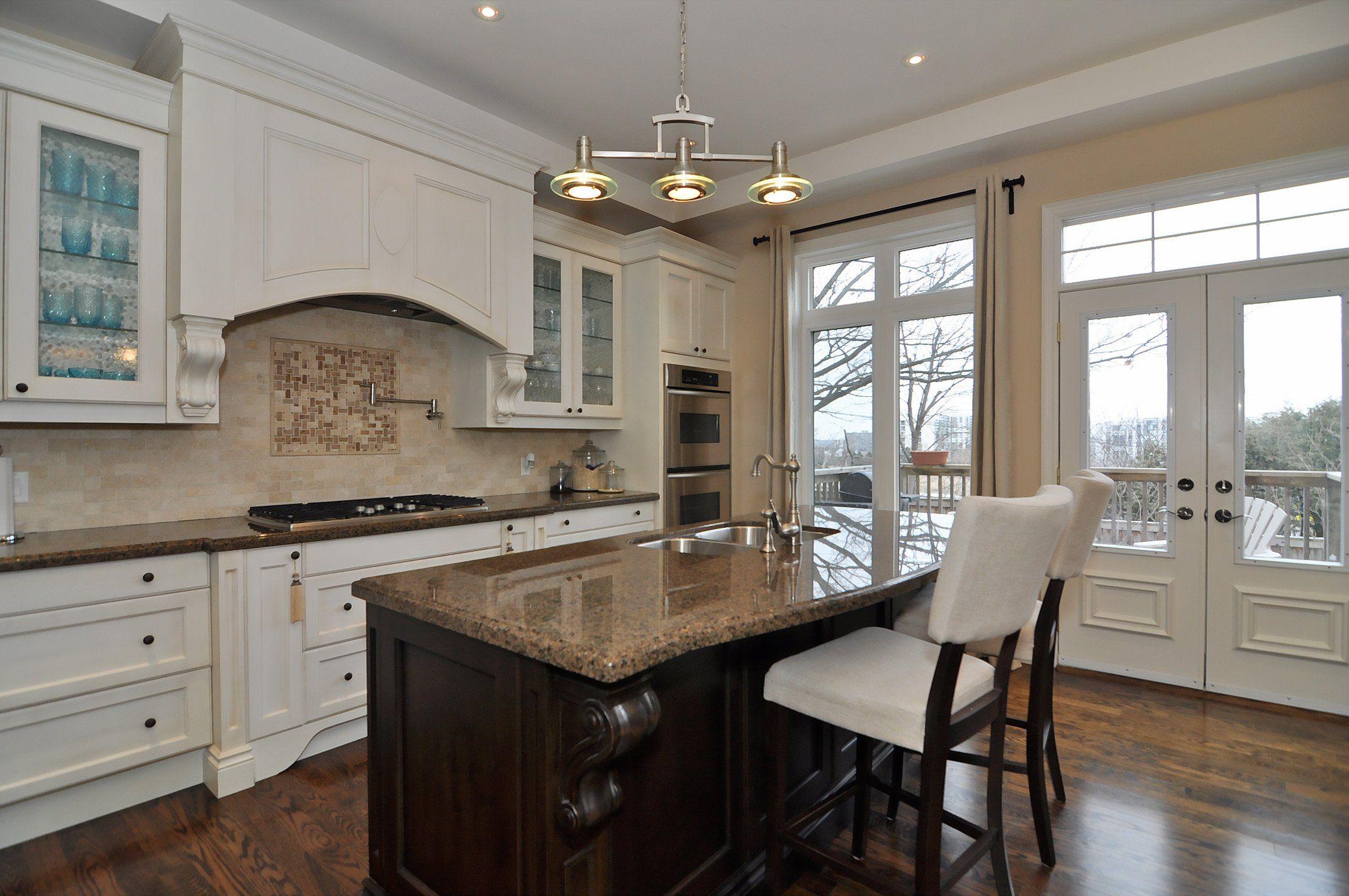 Elegant Granite top Kitchen island Breakfast Bar
