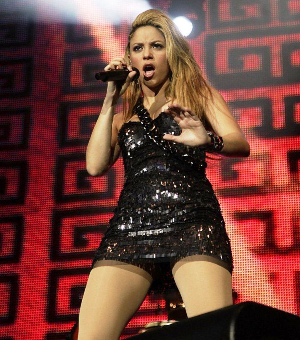 Shakira Hot Hot Shakira-Hot-Legs-Shakira-18521102-1024-5477