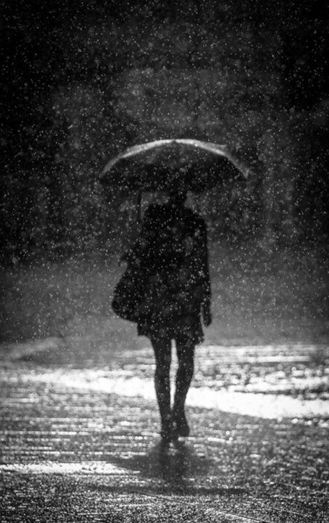 It S Raining Again Tableau Noir Et Blanc Paris Sous La Pluie Noir Et Blanc