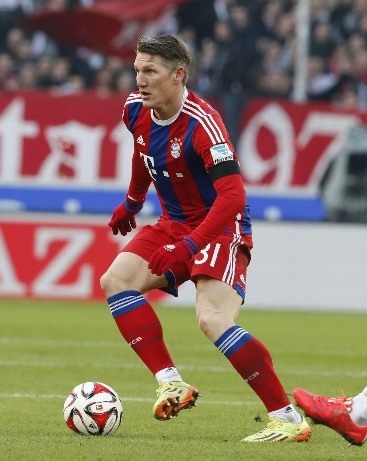 Bastian Schweinsteiger | Tumblr | Schweinsteiger, Bastian schweinsteiger, Sports celebrities