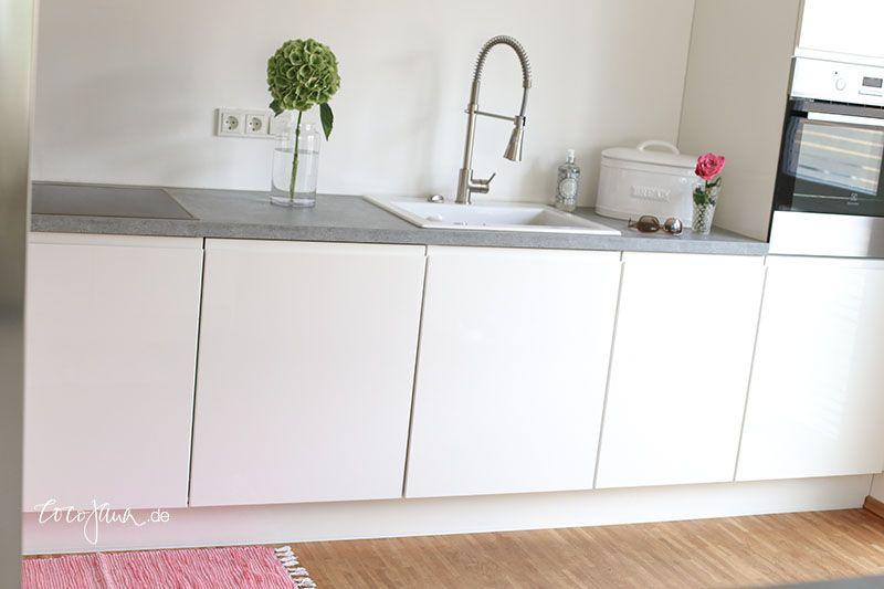Küche In Hochglanz Weiß, Edelstahl U0026 Silestone   Moderne Optik | Kitchen |  Pinterest | Hochglanz, Edelstahl Und Küche
