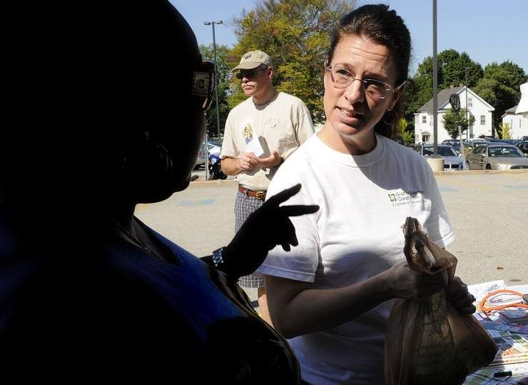 Worcester health center hands out fresh produce to low