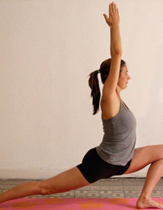 ¡Estas son las mejores posiciones de  Yoga para mujeres! 352c2ed254a7