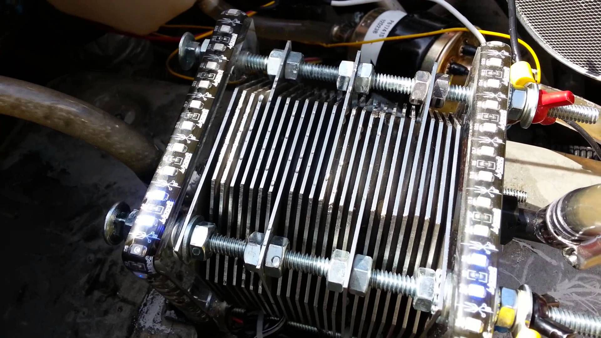 Midtech D2 HHO Hydrogen fuel cell 27 plate | Videos