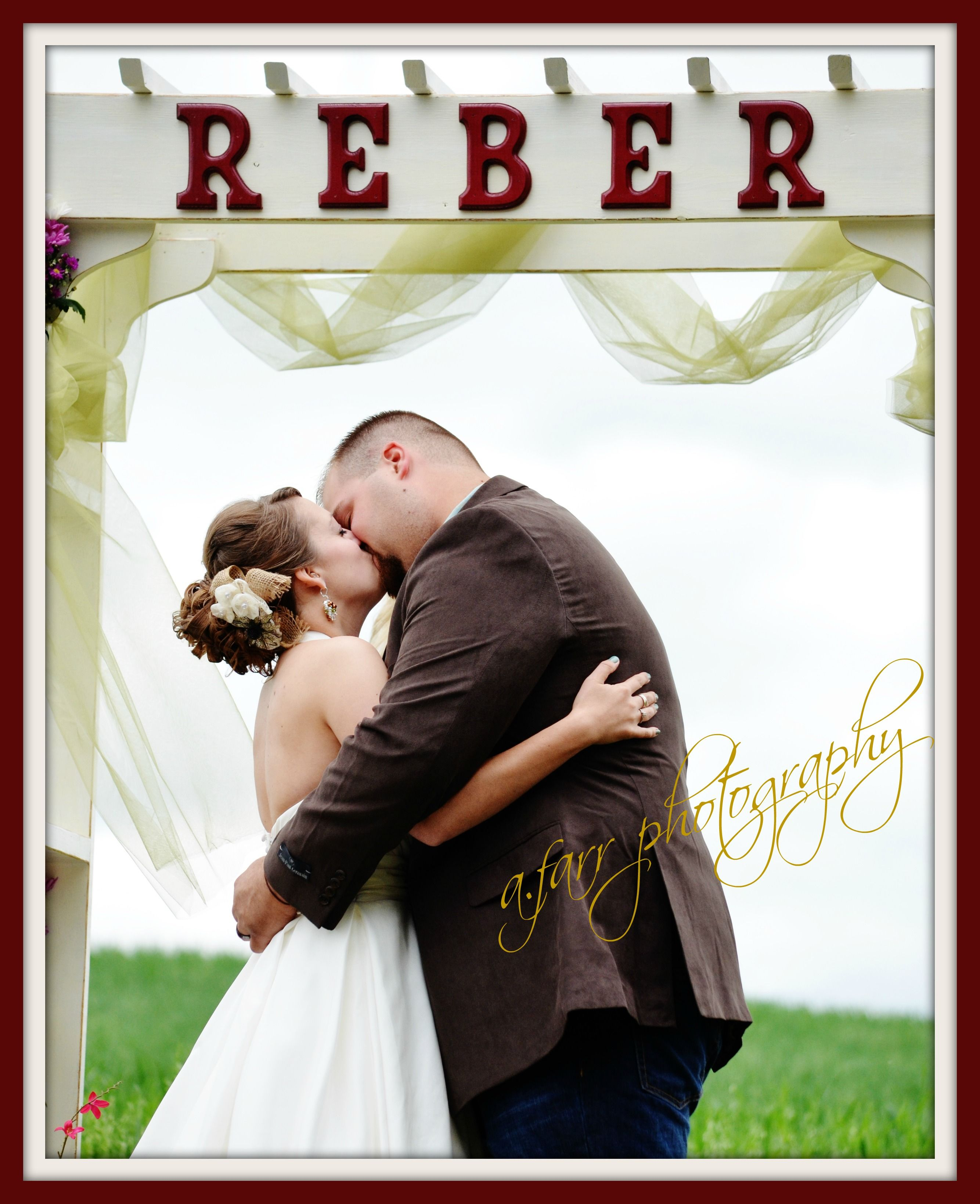 wedding photography pose idea.  remember to 'like' a.farr photography on facebook!
