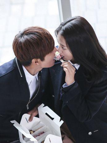 "Min Ho and Park Shin Hye ""Donut Kiss"" ♡ - ""HEIRS"