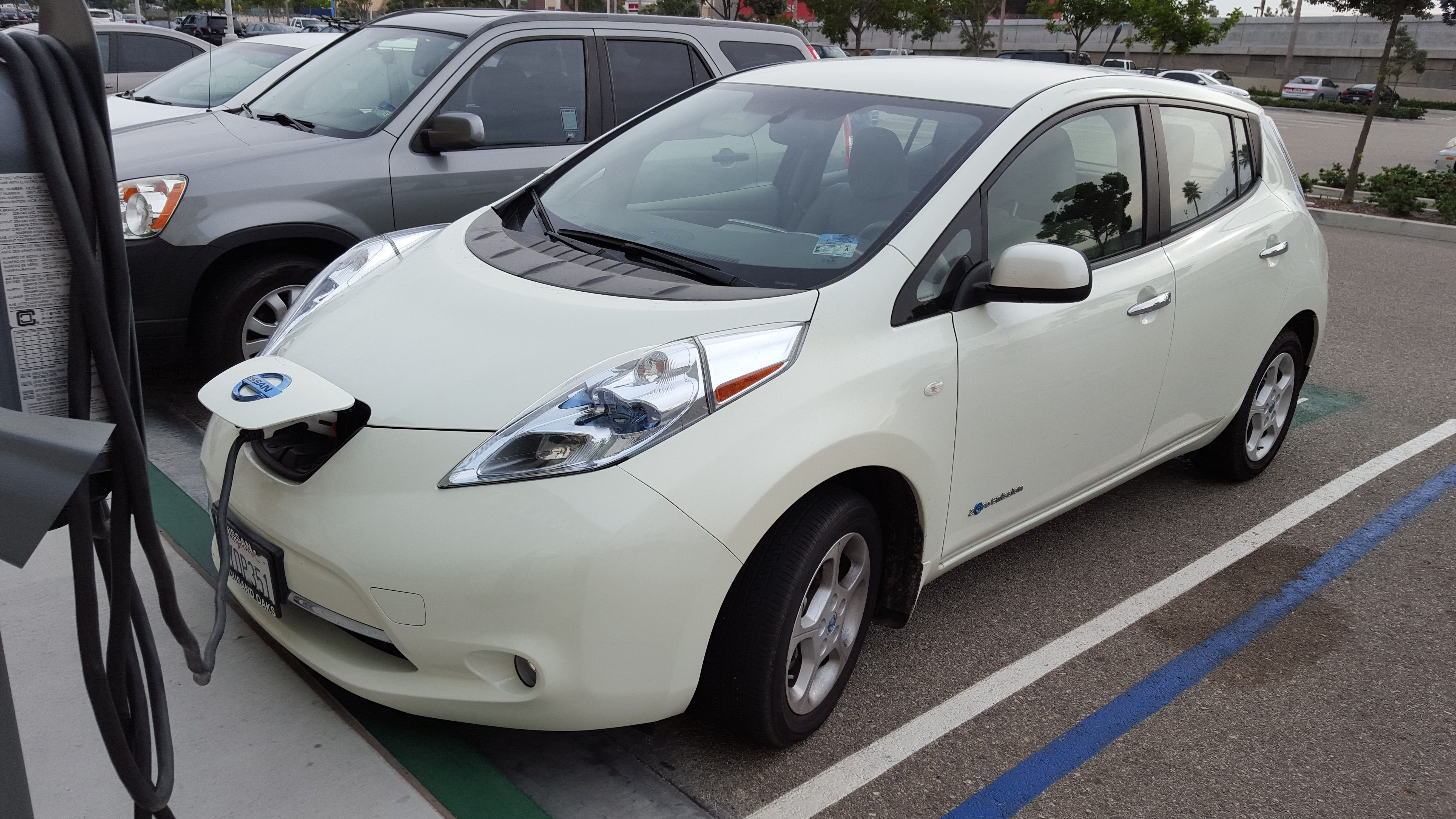 prices values car news research motoring nissan electric leaf in rise