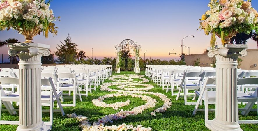 Cape Rey Hilton Is One Of The Top Carlsbad Wedding Venues With A Perfect Oceanfront Setting See How Our Beautiful Venue Will Make Your Day All You Ve